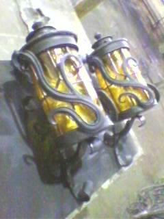 Кованые изделия: бра под плафоны уличных фонарей