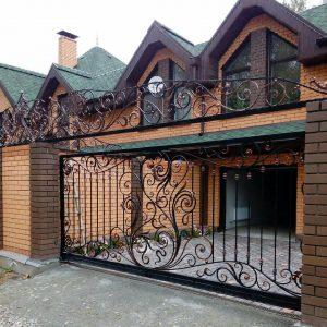 Кованые изделия: ворота