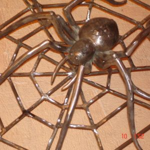Кованые изделия: паутина и паук