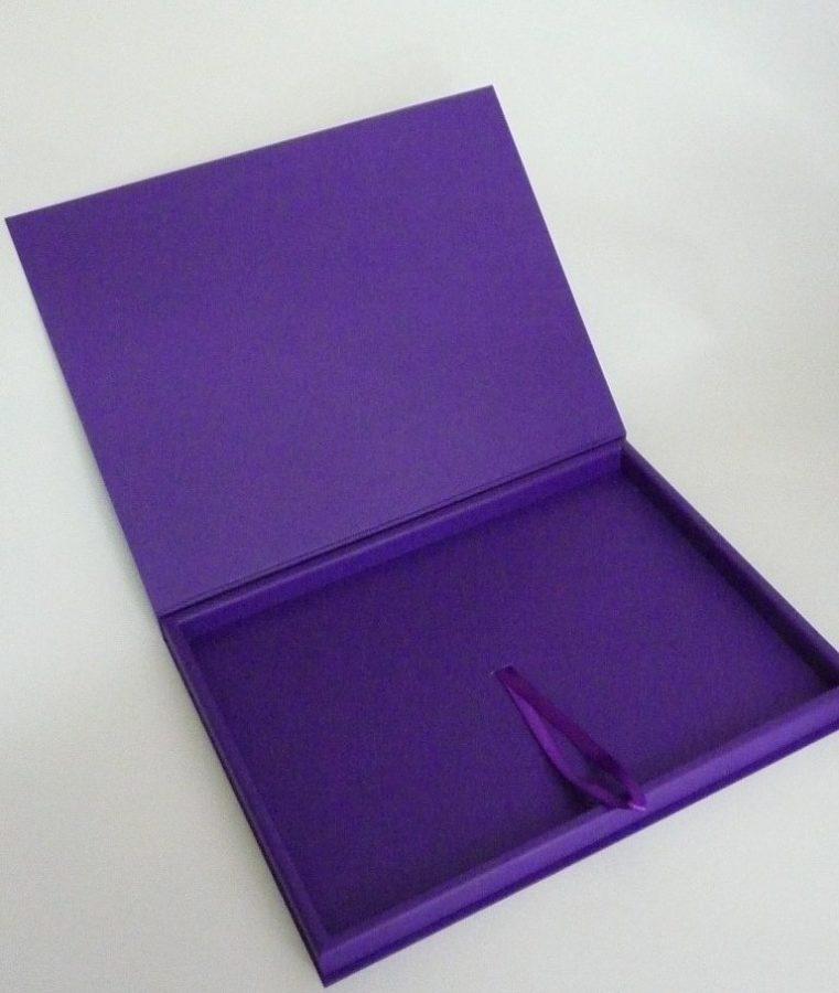Футляры подарочные: для плакетки