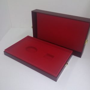 Футляры подарочные: для упаковки сувенира и подарка