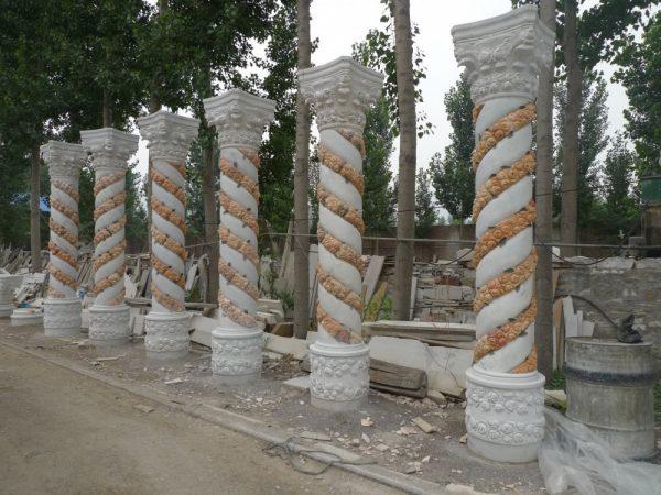 Скульптура из мрамора: Резные колонны