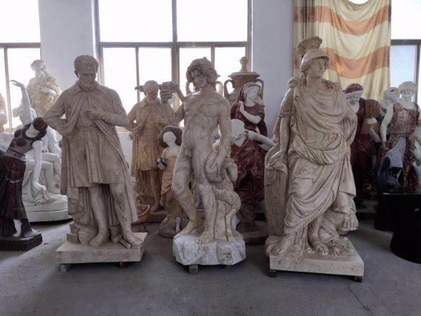 Скульптура из мрамора: Статуи в итальянском стиле