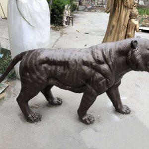 Статуя из бронзы: Леопард-02