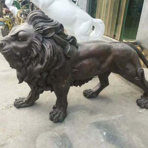 Статуя из бронзы: Лев-02