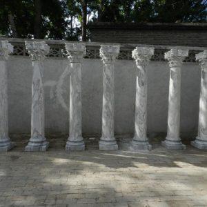 Скульптура из мрамора: Колонны в итальянском стиле