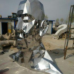 Скульптура из нержавеющей стали: Голова человека
