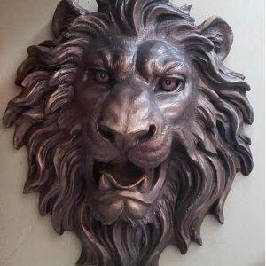 Скульптура из бронзы: Голова льва