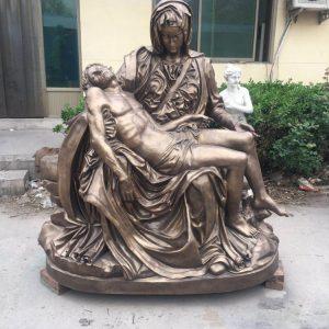 Статуя из бронзы: Статуя Пьета-01