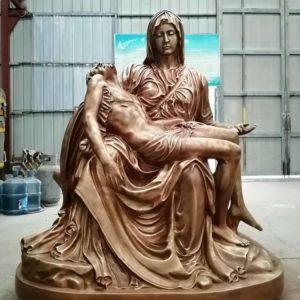 Статуя из бронзы: Статуя Пьета-02