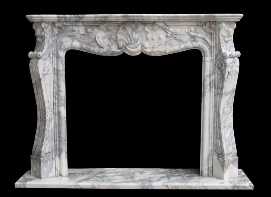 Скульптура из мрамора: Каминный портал в итальянском стиле