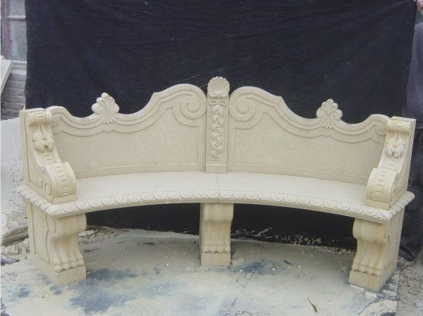 Скульптура из мрамора: Скамья для сада из мрамора молочного оттенка