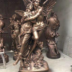 Статуя из бронзы: Статуя любви