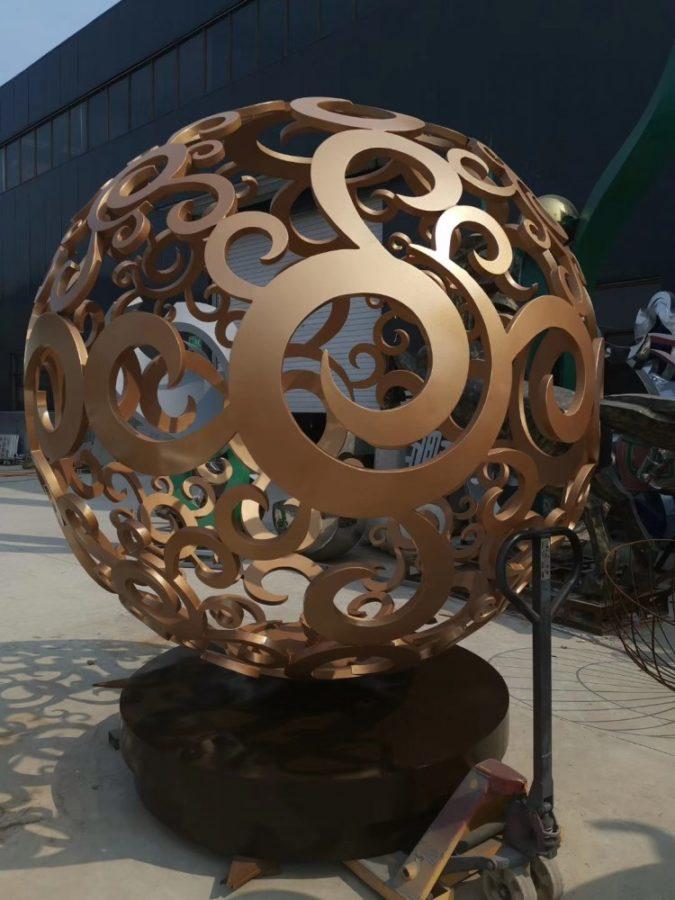 Скульптура из нержавеющей стали: Резной шар