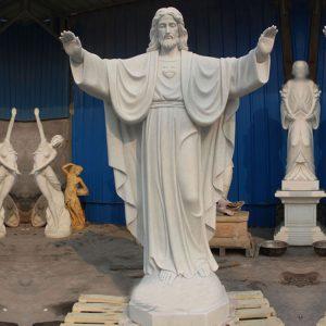 Скульптура из мрамора: Статуя святого-01