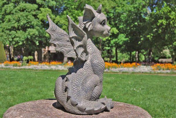 Скульптура из искусственного камня: Дракончик