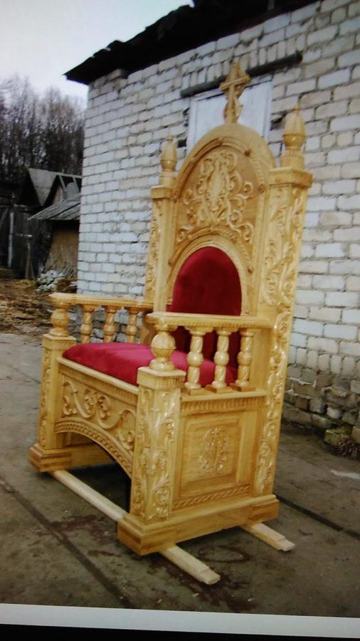Деревянная мебель: Трон