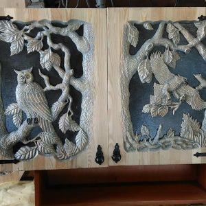 Деревянная мебель: Дверцы шкафа резные с барельефом