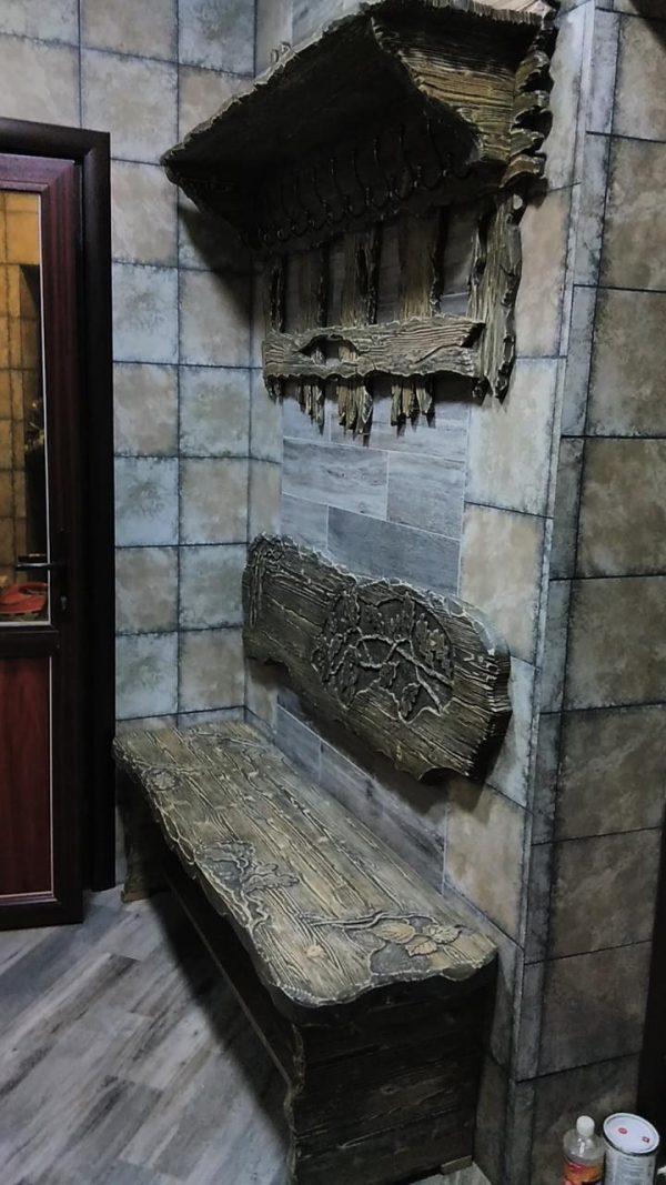 Деревянная мебель: Стилизованная деревянная вешалка и скамейка