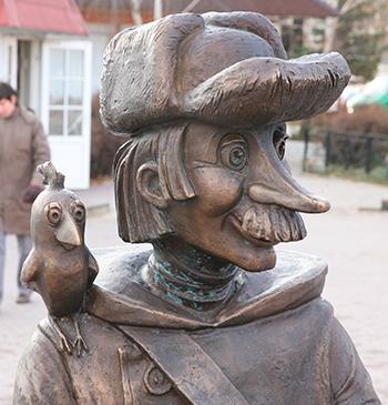 Статуи и скульптуры из сказок и выражений