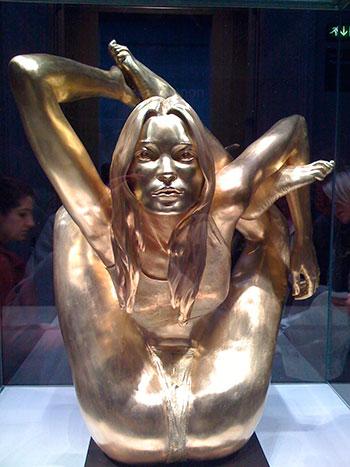 Скандальные статуи