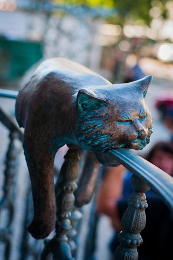 Скульптуры котов