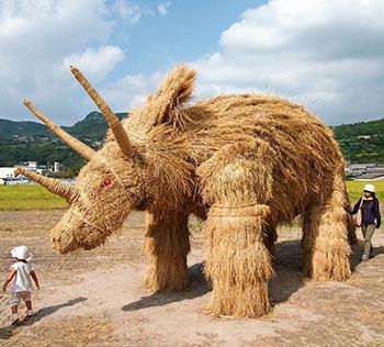 Японские соломенные скульптуры