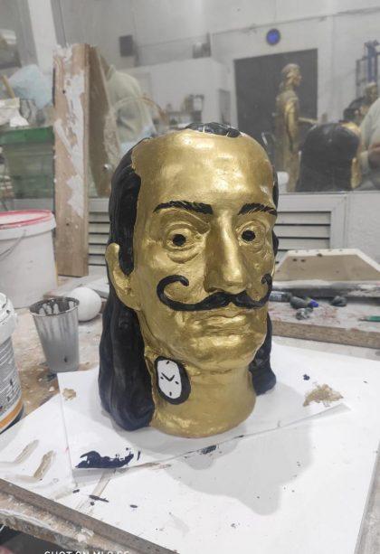 Скульптура из керамики: Ваза в образе Сальвадора Дали