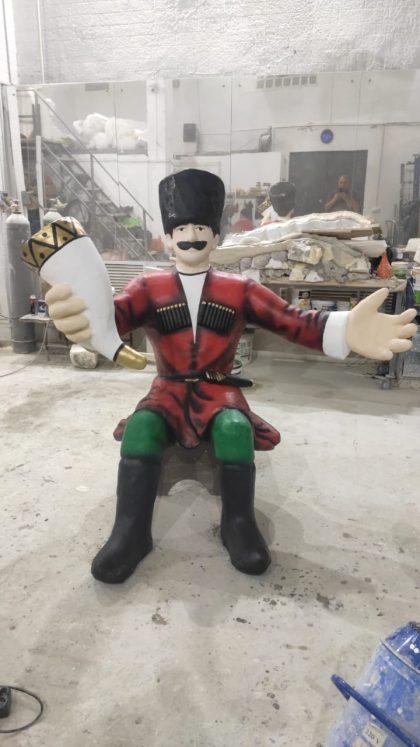 """Скульптура из стеклопластика: Скульптура """"Грузин"""" для ресторана ДжонДжоли"""