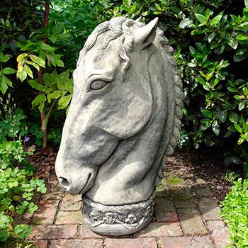 Статуи из антивандального камня