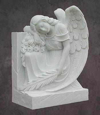 Мрамор Коелга и статуи из него