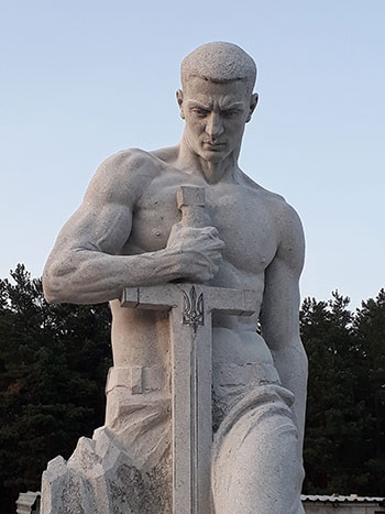 Гранитные скульптуры на заказ