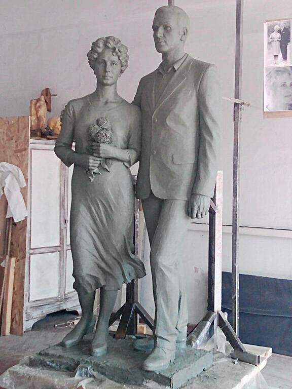 Скульптура из искусственного камня: Семейная пара