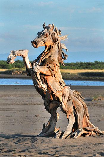 Недорогие статуи из дерева
