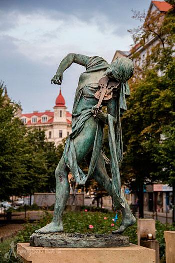 Красивые городские скульптуры