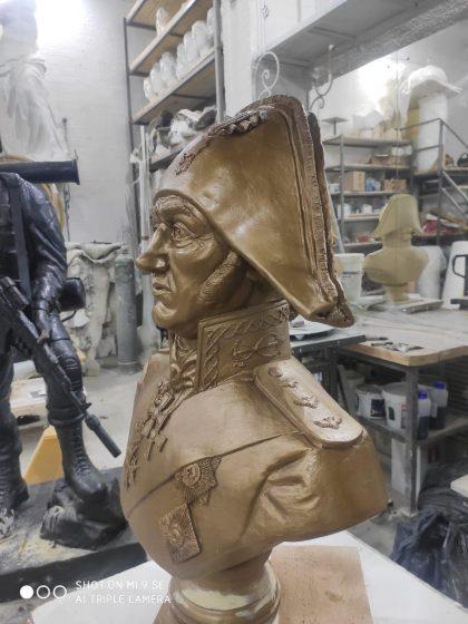 """Скульптура из искусственного камня: Бюст """"Адмирал Ушаков""""."""