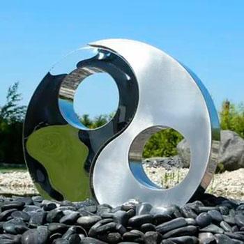 Статуи из стали и металла