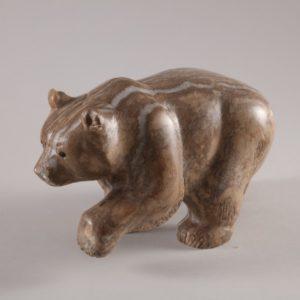 Скульптуры из ангидрита и кальцита: Российский медведь