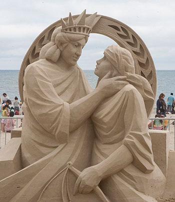 Песочные статуи