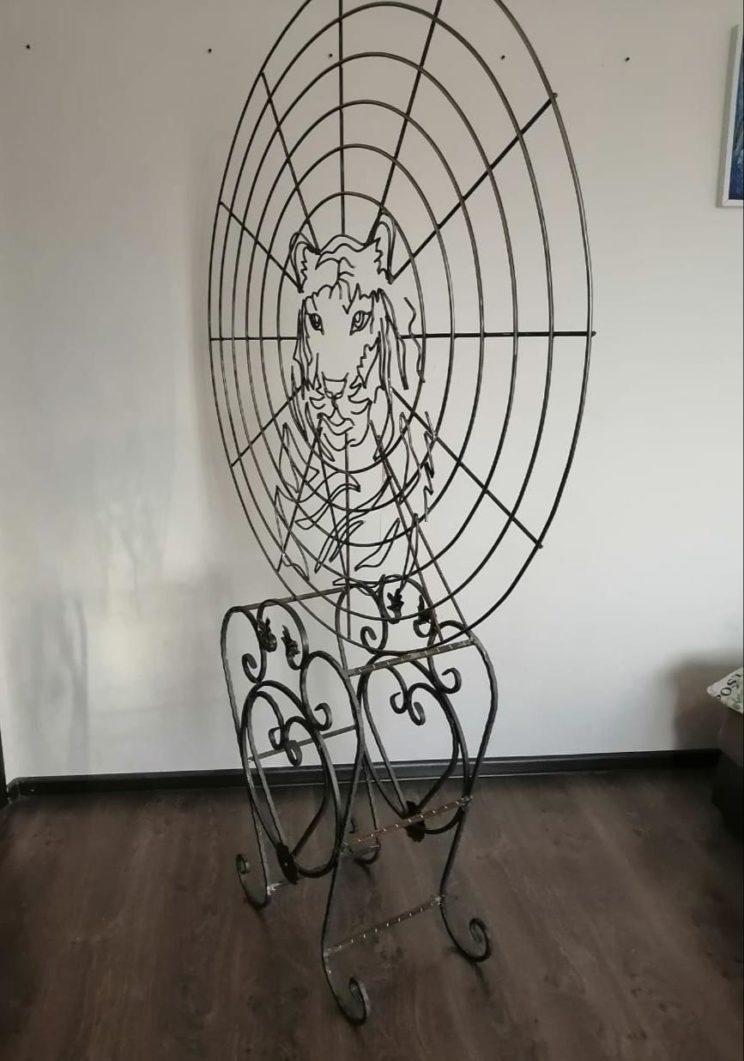 Скульптура из проволоки: Магнитный круг с мордой тигра