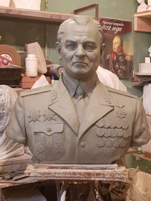 Бюст на заказ: Бюст генерал лейтенанта Касьянова.