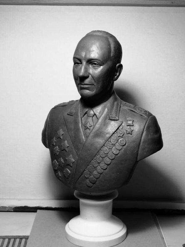 Бюст на заказ: Маршал артиллерии Воронов Н.Н.
