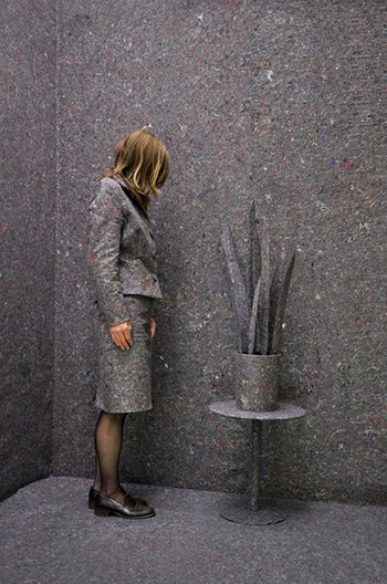 Статуи из людей
