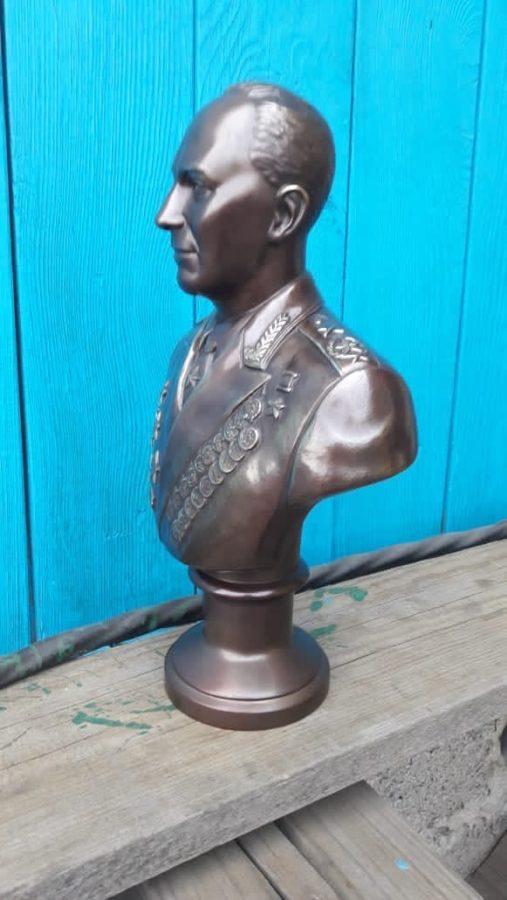 Бюст на заказ: Бюст главного маршала артиллерии Воронова Николая Николаевича.