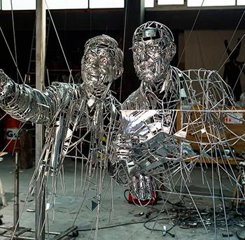 Статуи из нержавейки