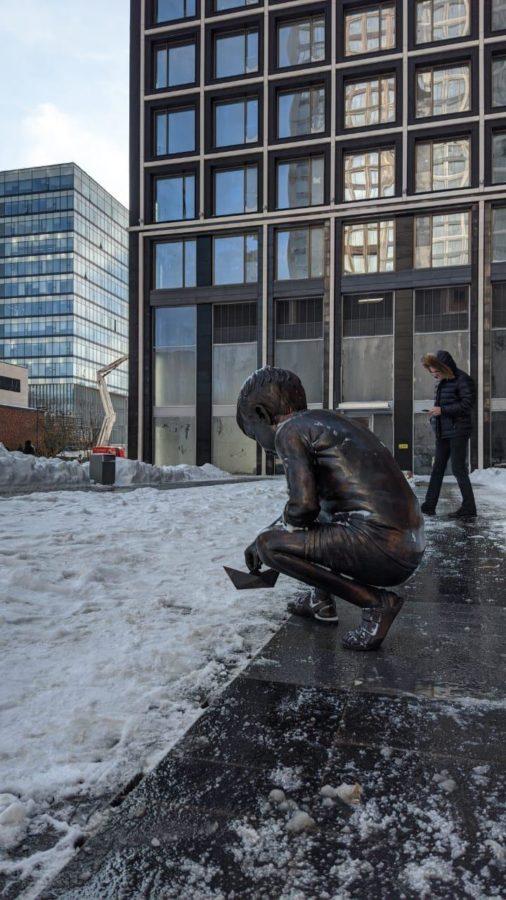Бронзовая скульптура: «Мальчик»