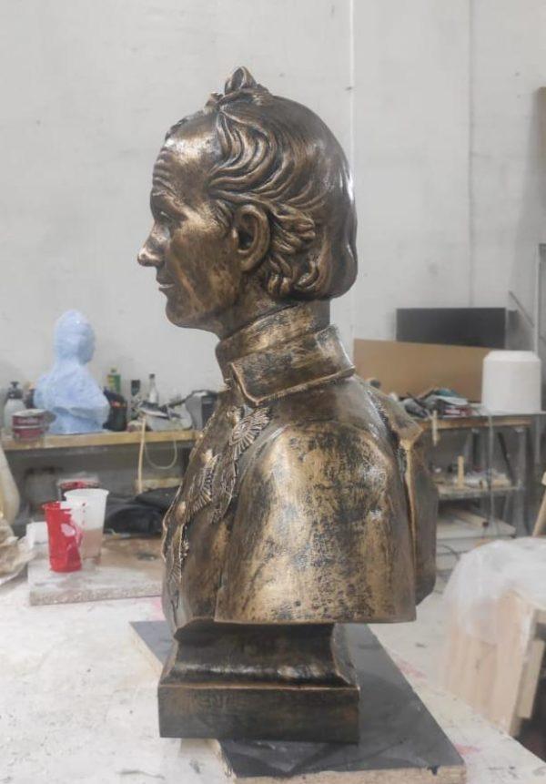 Скульптура: Суворов А.В.
