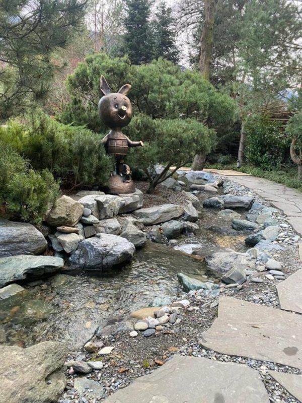 Скульптура из бронзы: Рыбак