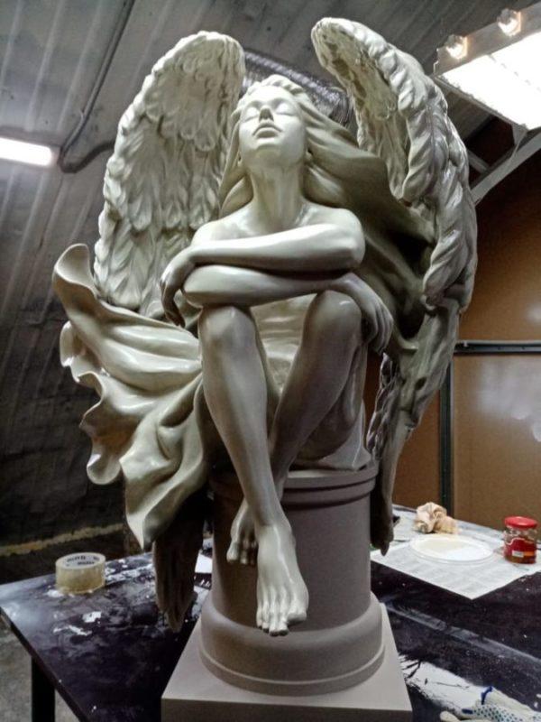 Скульптура из мрамора: Девушка-ангел