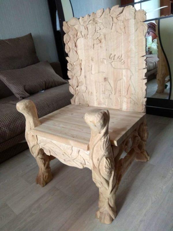 Деревянная мебель: Резное кресло из лиственницы